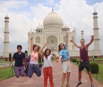 Volunteers enjoying at the Taj Mahal in Agra