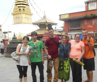 Volunteers on a sightseeing tour of Kathmandu