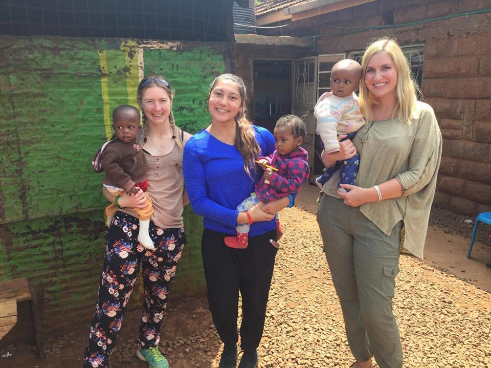 Programas de Voluntariado no Ano da Lacuna no Exterior