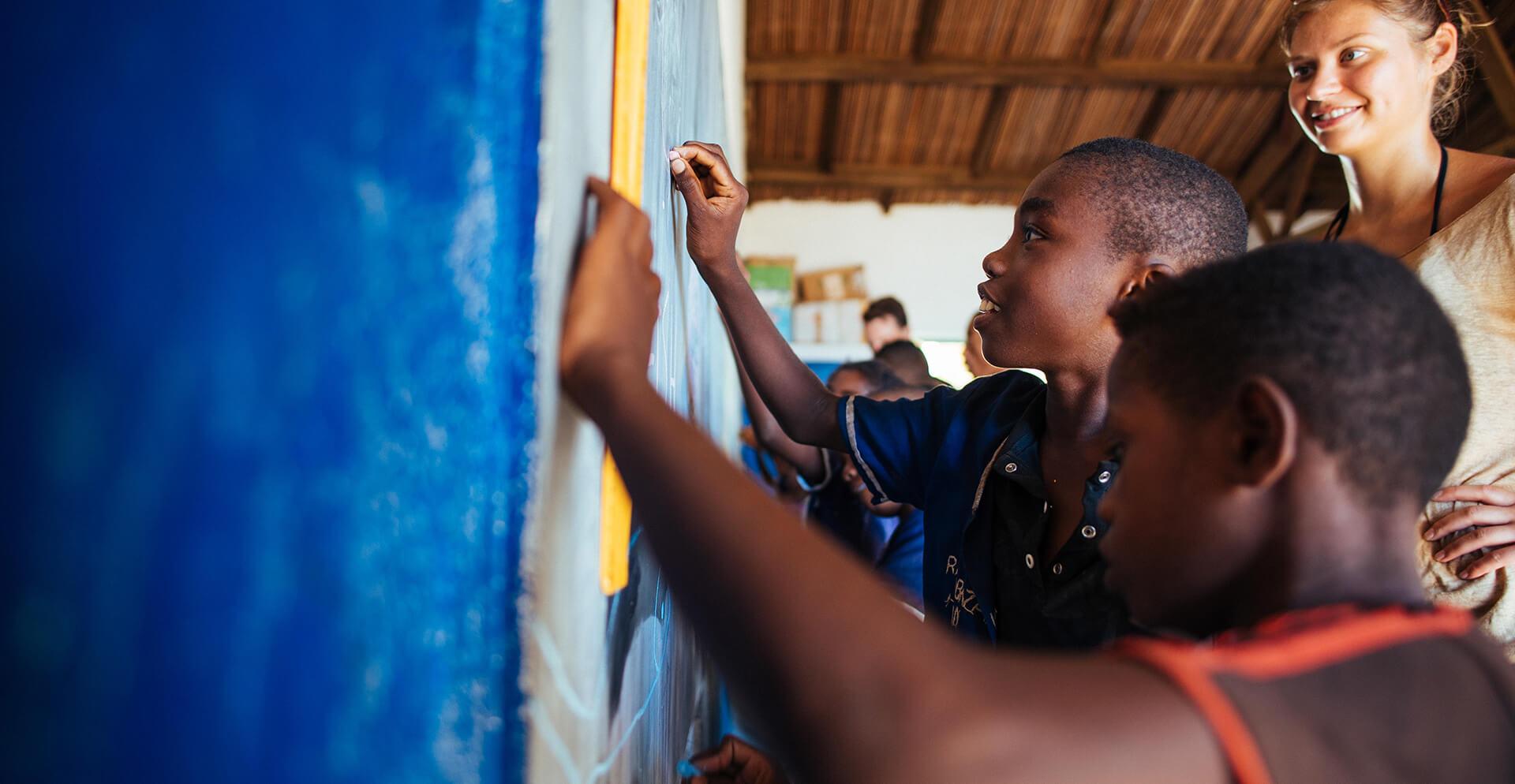 Projetos de Ensino Voluntário no Exterior
