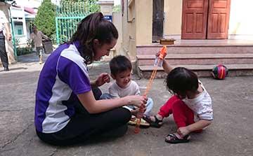 Programa de Voluntariado para Cuidados Infantis em Hanói