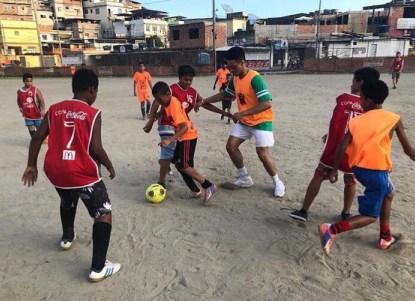 Programa de voluntariado deportivo juvenil en Brasil