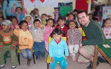 Asistente de maestro voluntario en jardines de infantes Cusco, Perú