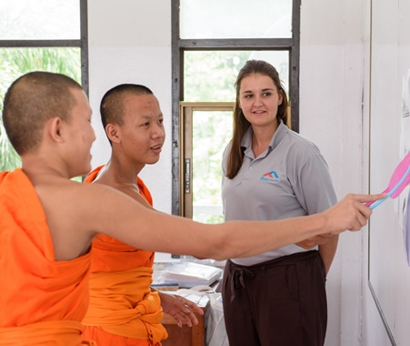 Volunteer Teaching English To Monks in Chiang Mai Thailand