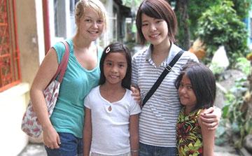 Volunteer with Children in Philippines