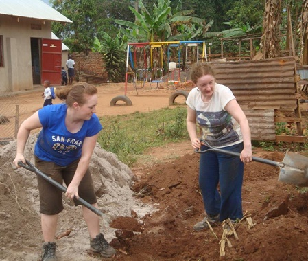 Volunteer Construction & Community Development Uganda