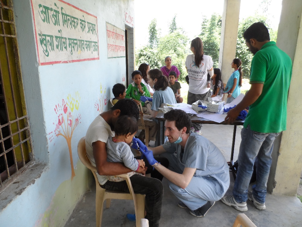 Dental interns with school children in Palampur