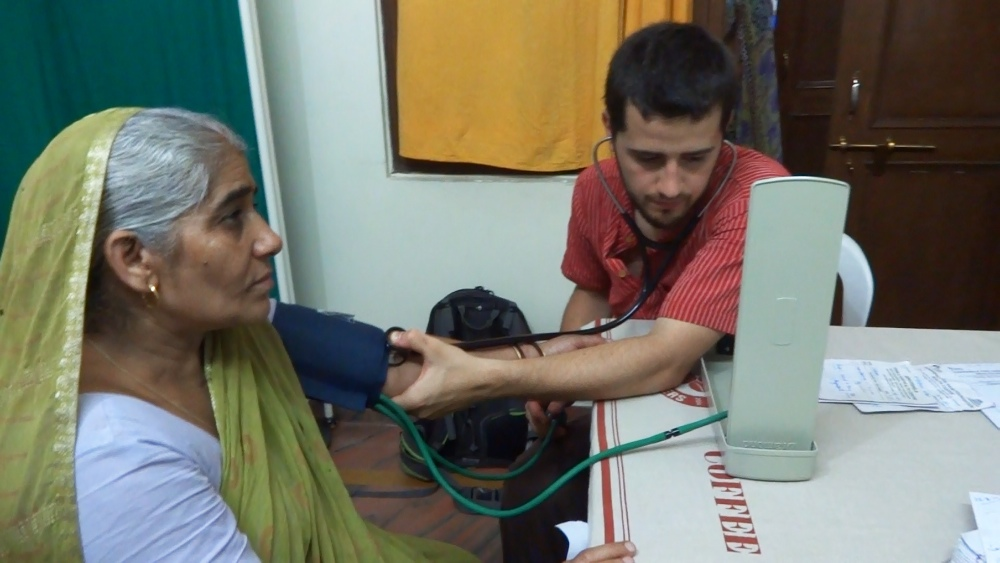 Medical volunteering by volsol volunteer