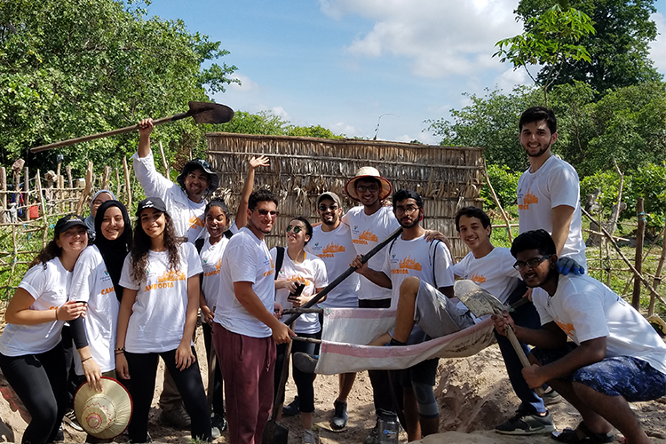 Student group from Carnegie Mellon University in Cambodia>