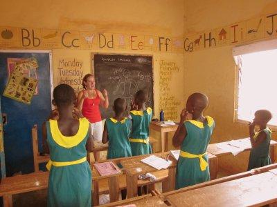 http://www.volunteeringsolutions.com/volunteer-abroad/volunteer-in-ghana#volunteer-teaching-english-ghana