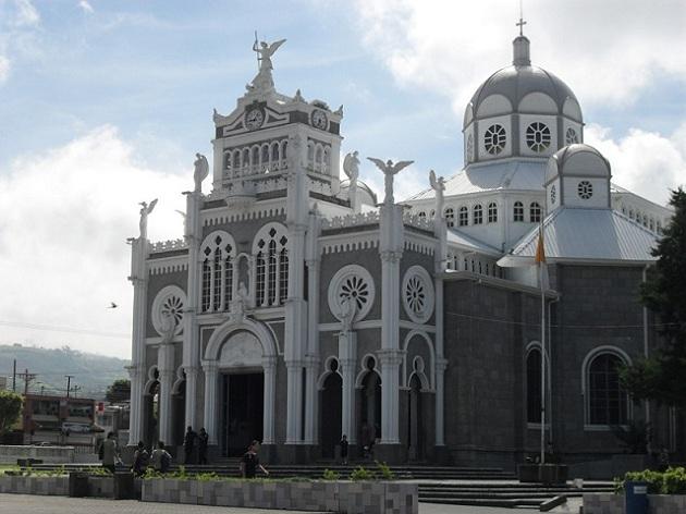 Tiffany-Makowski-Cathedral-Basilica Costa Rica