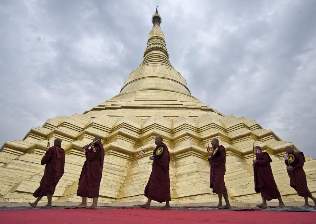 shwedagon-pagoda-Asia