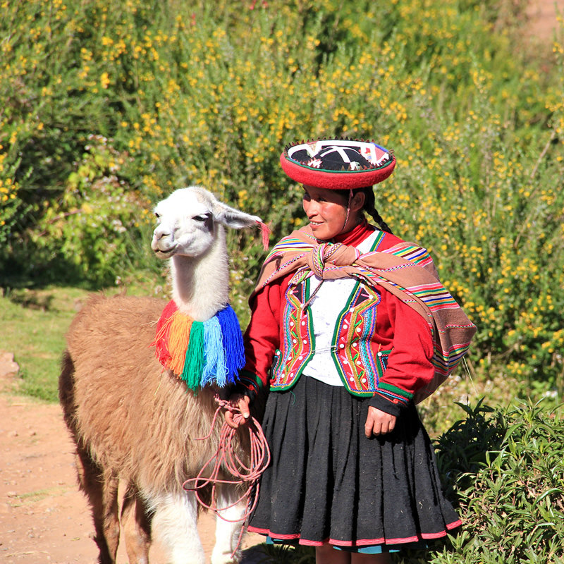 traditional wear in Peru