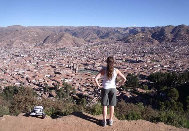 women volunteer traveler
