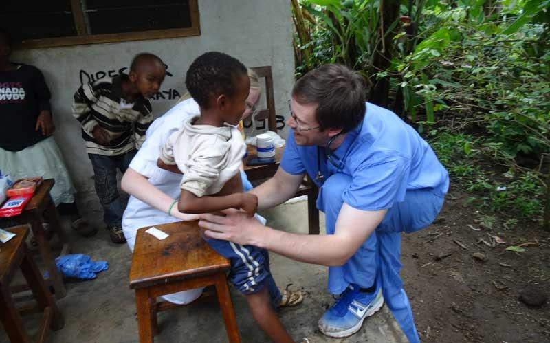 medical-volunteering-in-Tanzania-with-volsol