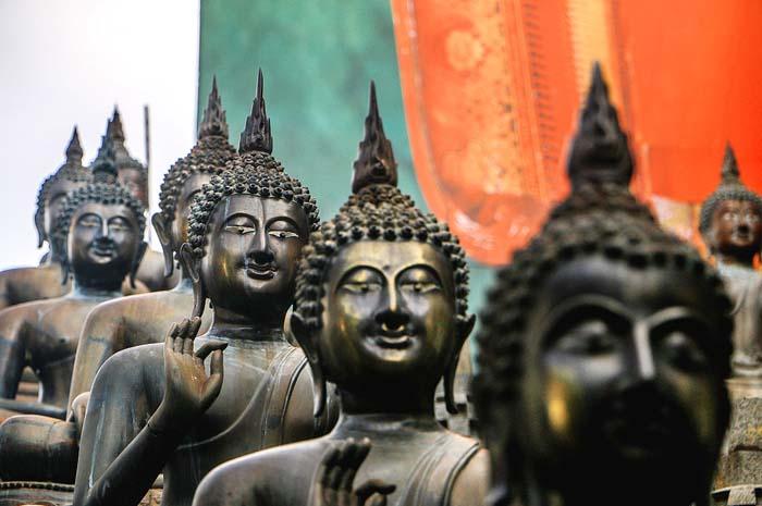 Gangaramaya Buddhist Temple sri lanka