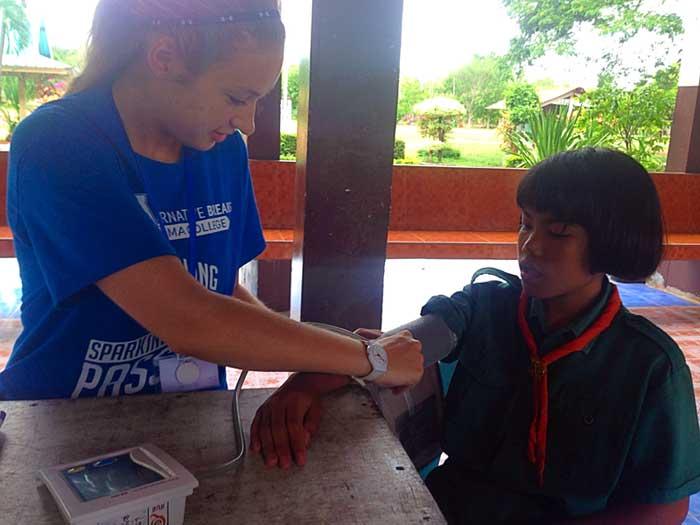 Healthcare-volunteer-work-in-Thailand