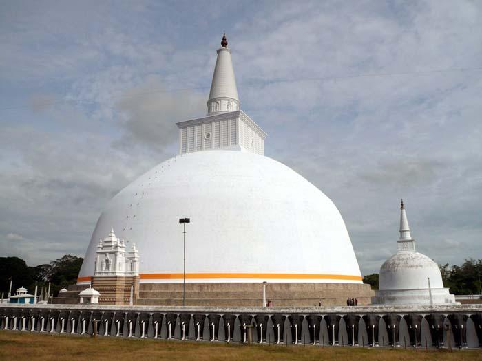 Ruwanwelisaya Sri lanka