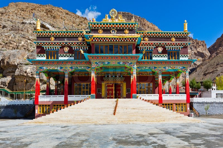 buddhist-monastery-in-kaza-spiti-valley-himachal-pradesh-palampur-india