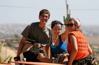 volunteer-trip-abroad