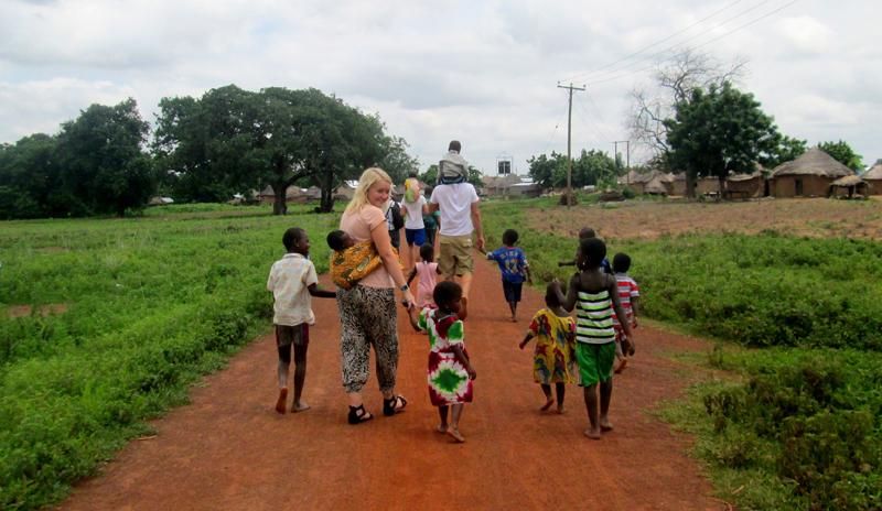 volunteering-abroad with volsol