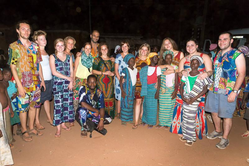 family-volunteering-in-Ghana