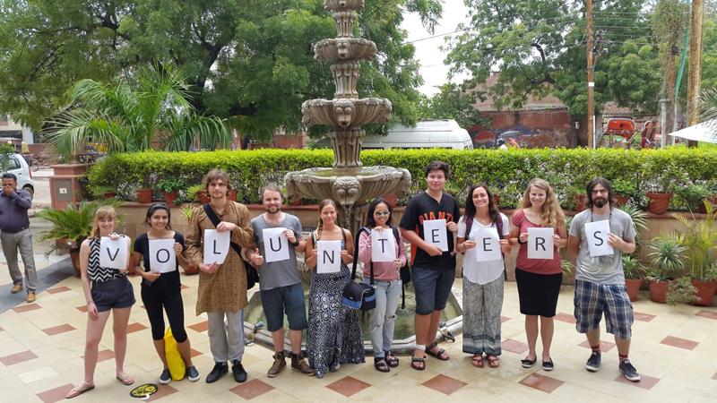 group-volunteering-in-India