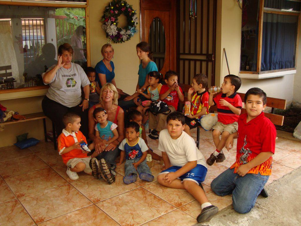 childcare volunteer in costa rica
