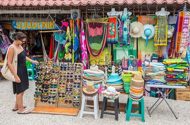 costa-rica-shopping