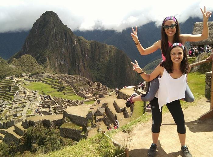 volunteers in Peru with volsol