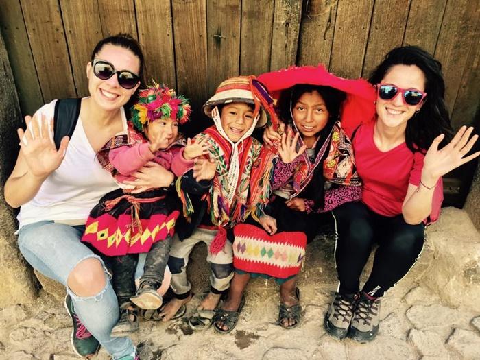 volunteer in peru with kids
