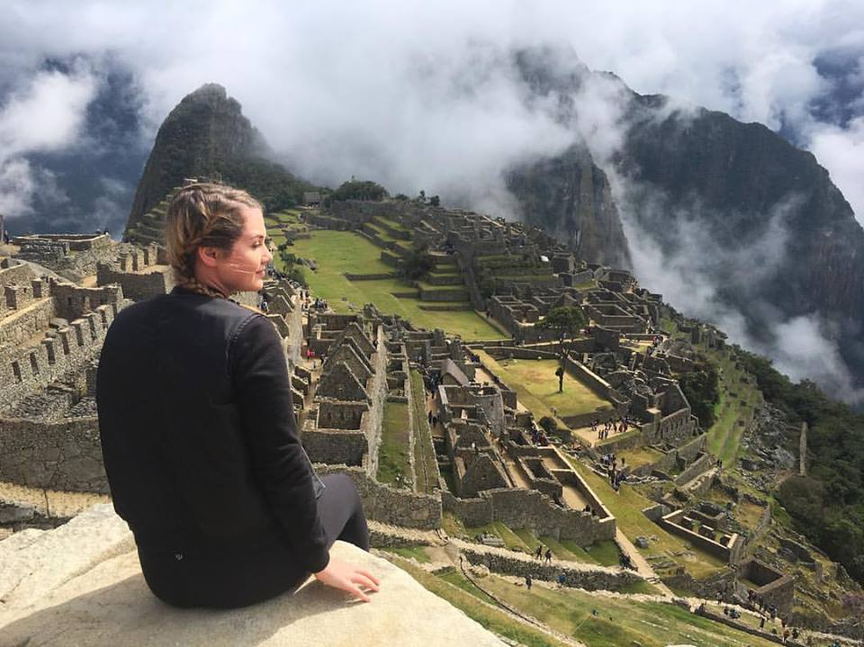 volunteer tips for female solo travelers