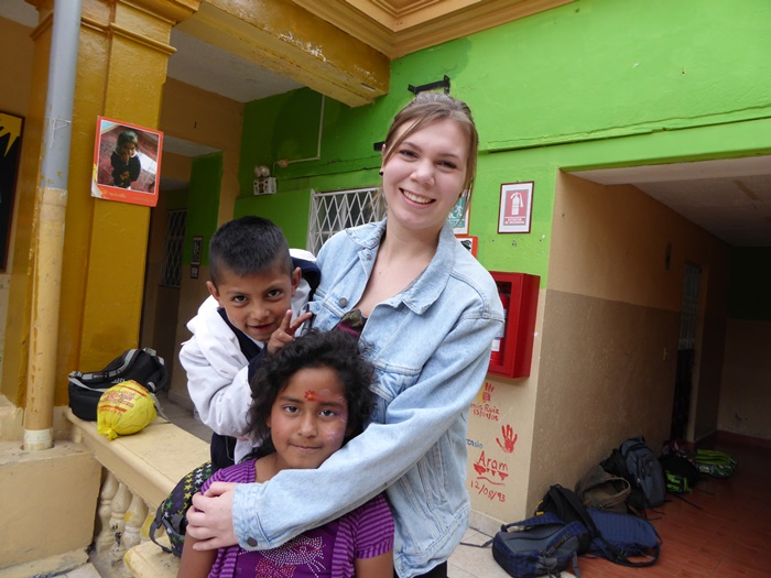 Volunteer With Children In Latin America
