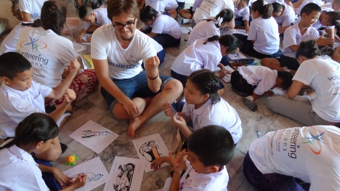 Volunteering In Thai Schools