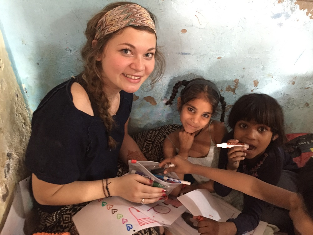 volunteer with children in india
