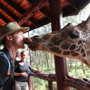 What's The Difference Between A Volunteer Traveler And A Tourist?